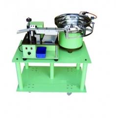 Устройство для автоматической формовки радиальных выводов компонентов A-400